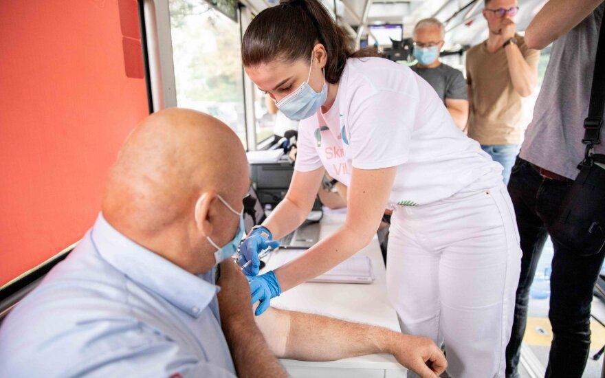 По Вильнюсу будут курсировать автобусы для вакцинации от COVID-19