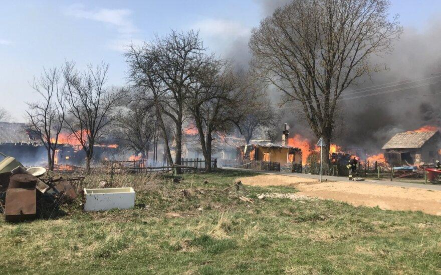 Борьба с пожаром в Шальчининкай: сгорело 20 зданий