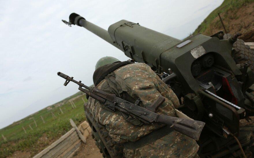 Азербайджан и Карабах разошлись во мнениях о соблюдении перемирия