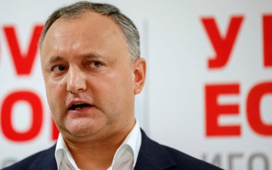 Молдова: Конституционный суд приостановил полномочия президента Додона