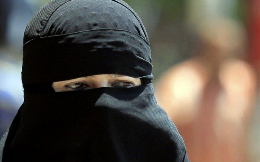 Anty-islamski marsz na ulicach brytyjskich miast!