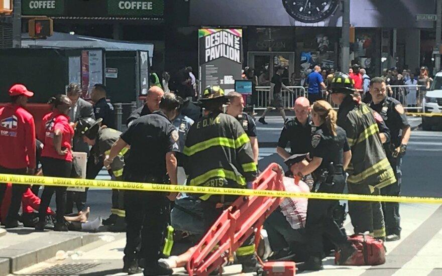 Niujorke automobilis rėžėsi į pėsčiuosius