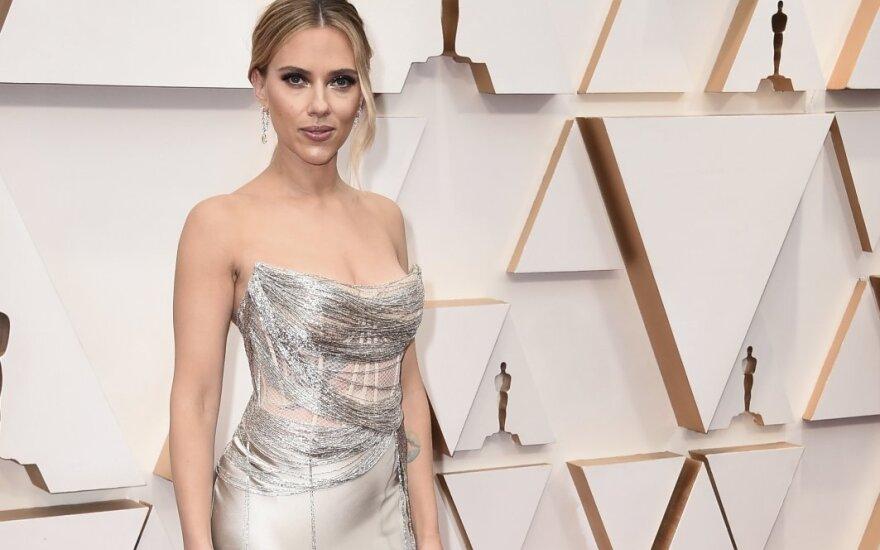 Scarlett Johansson, Oscar de la Renta