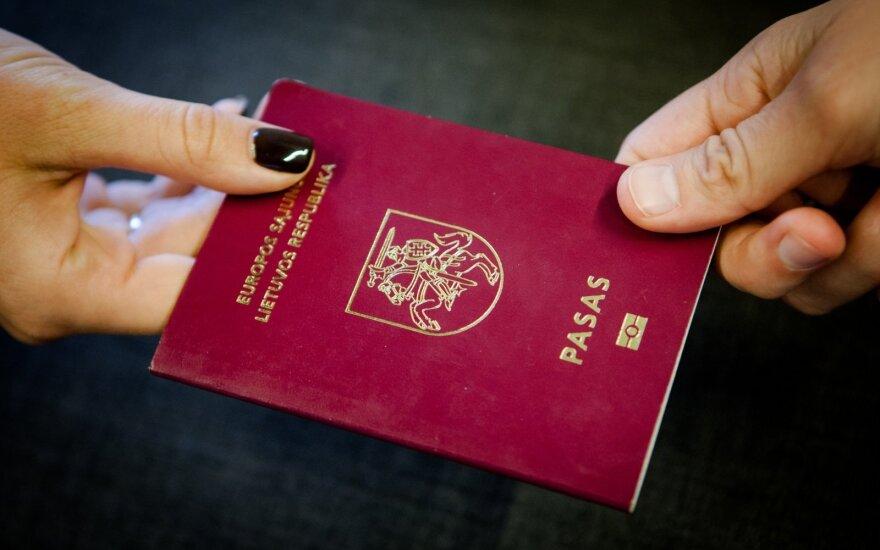 Лица с особыми заслугами перед Литвой смогут иметь двойное гражданство