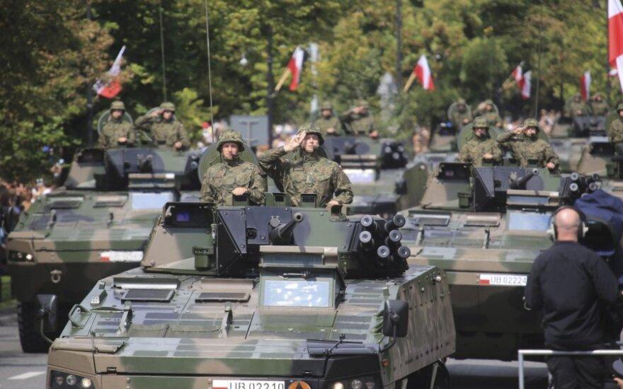 Министр обороны: Польша отправит свои войска в страны Балтии