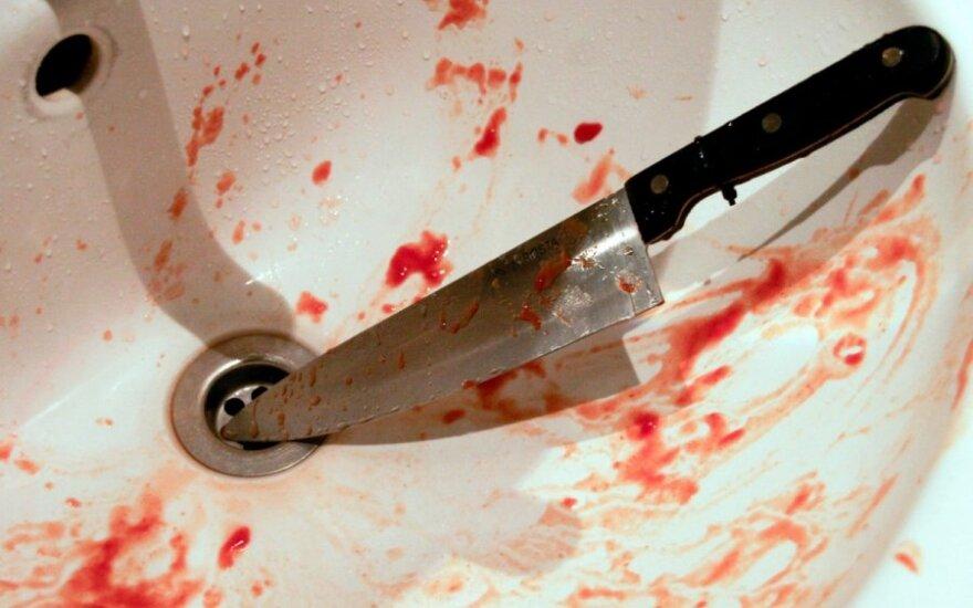 В Рокишкской психиатрической больнице пациент ранил врача ножом