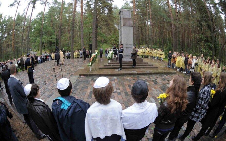В День памяти жертв геноцида евреев в Литве - Марш живых в Панеряй