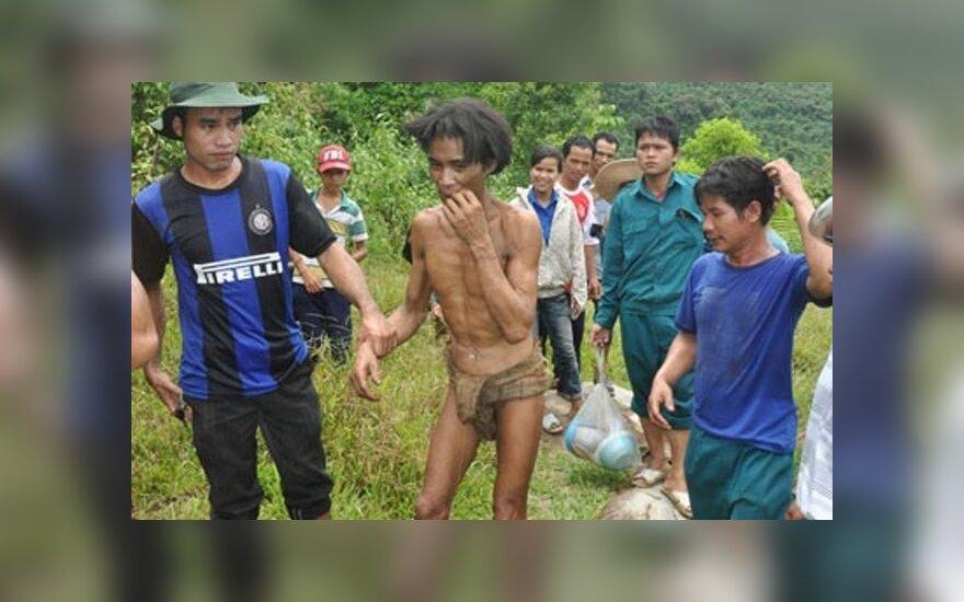 Вьетнам: спрятавшиеся от войны отец и сын 40 лет прожили в джунглях
