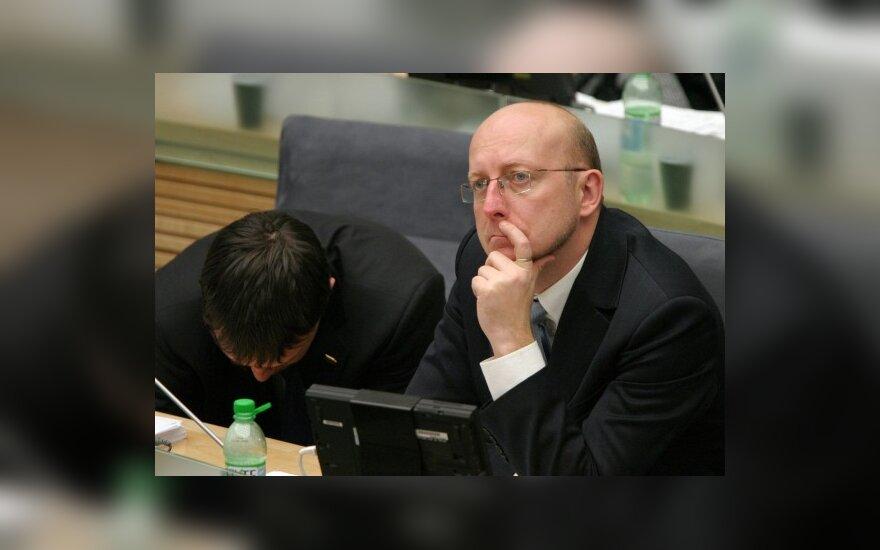 Председатель Сейма обещает уменьшить число парламентариев