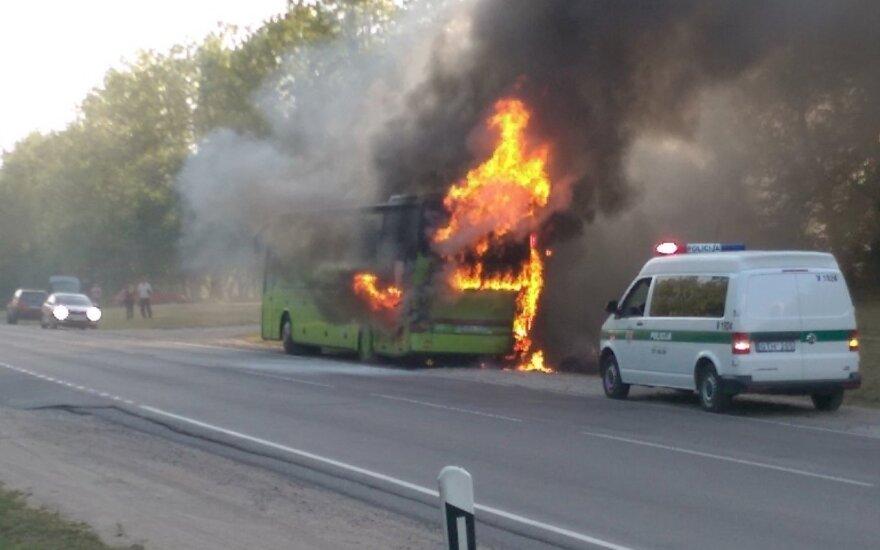 На окраине Вильнюса сгорел автобус