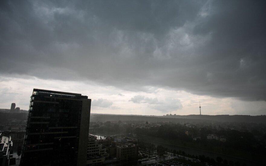 Погода: ожидается волна тепла и дождей