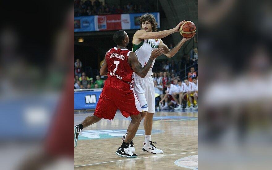 Литовские баскетболисты попали во второй этап ЧЕ