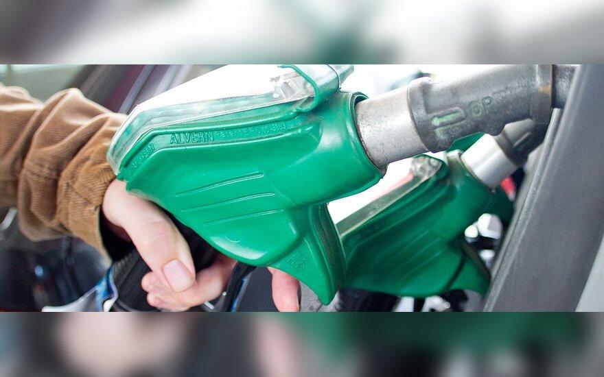 За неделю бензин подешевел во всех странах Балтии