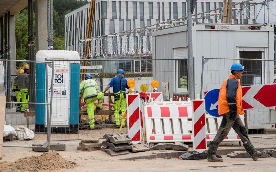 Строительный сектор в Литве, как в тисках: работы стало меньше, а если появляются заказы - нет работников