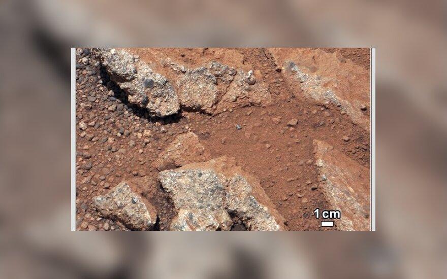 """""""Curiosity"""" nufotografuota numanoma vandens vaga Marse"""