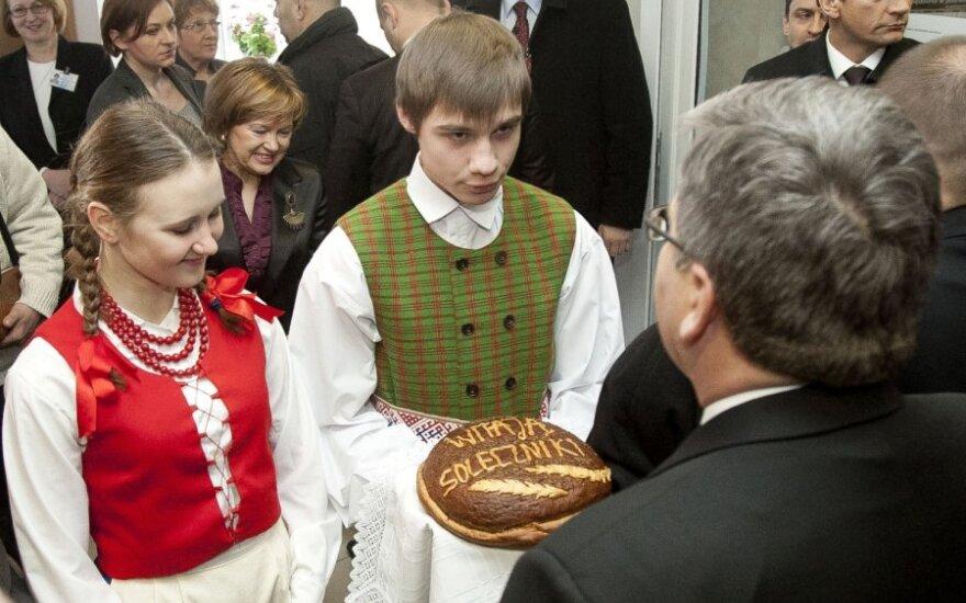 Bronislawas Komorowskis lankosi Šalčininkuose