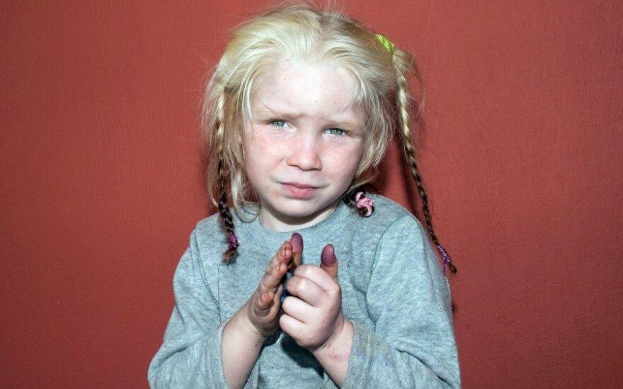 Поиски семьи белокурой девочки: откликнулись тысячи