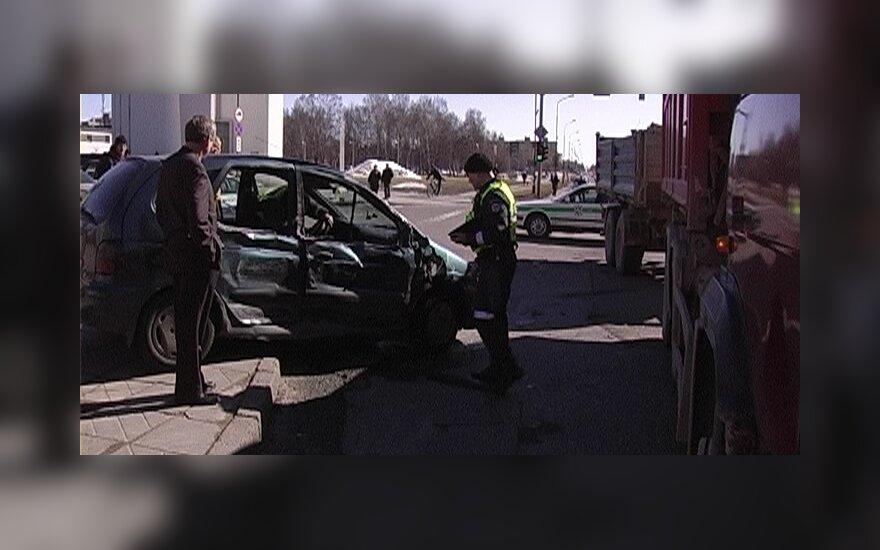 В Шяуляй в аварии пострадали два британца
