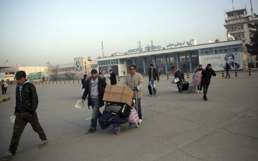 Тысячи получивших пособие на выезд мигрантов снова вернулись в ФРГ
