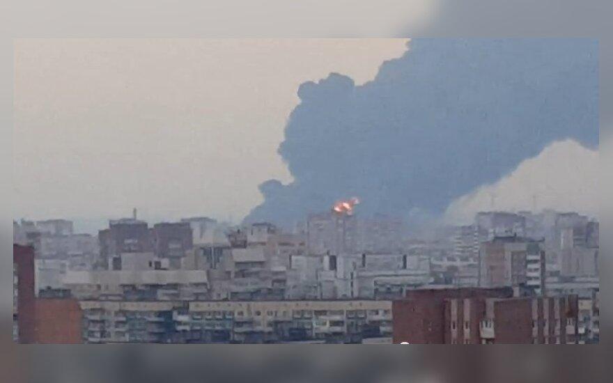 Stopkadras iš gaisro Sankt Peterburge įrašo