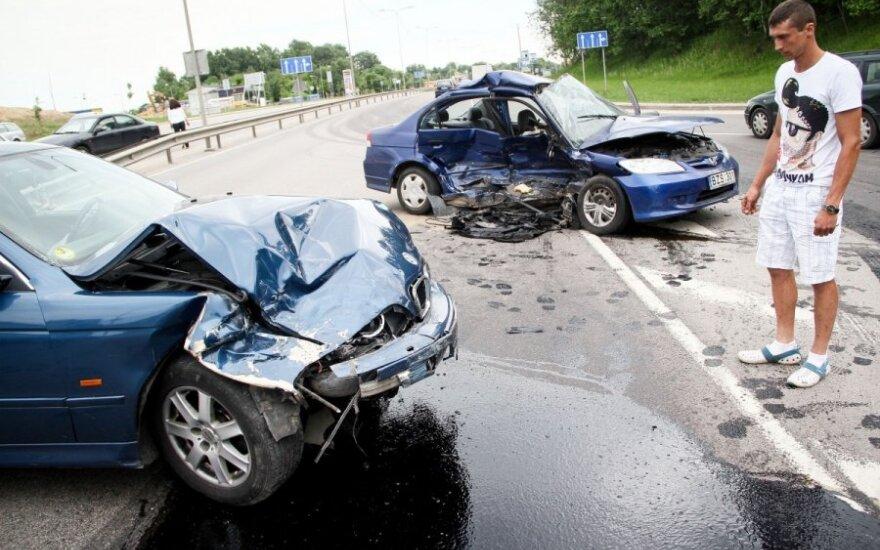 В Вильнюсе столкнулись BMW и Honda