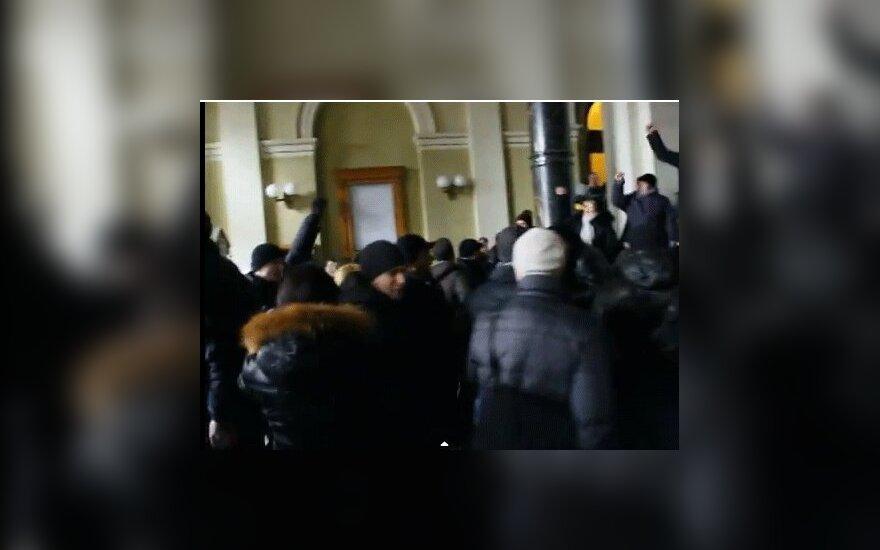 Во Львове и Ровно захвачены областные администрации