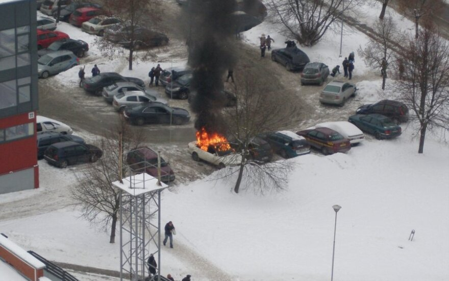 В Шешкине загорелся автомобиль
