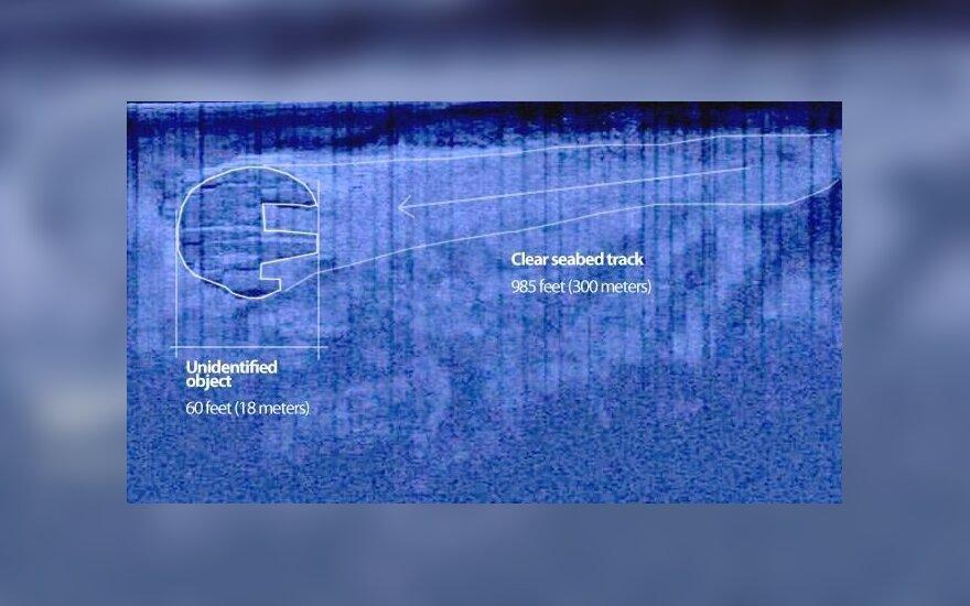 """Nežinomo paskendusio objekto kontūrai (""""Ocean X team"""" nuotr.)"""