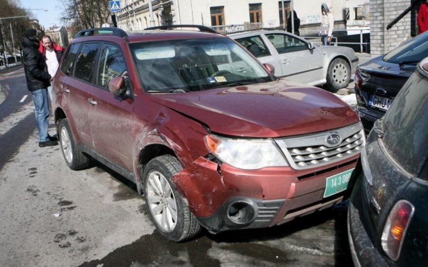 В Вильнюсе в аварии разбиты 5 машин, среди них – посольства США