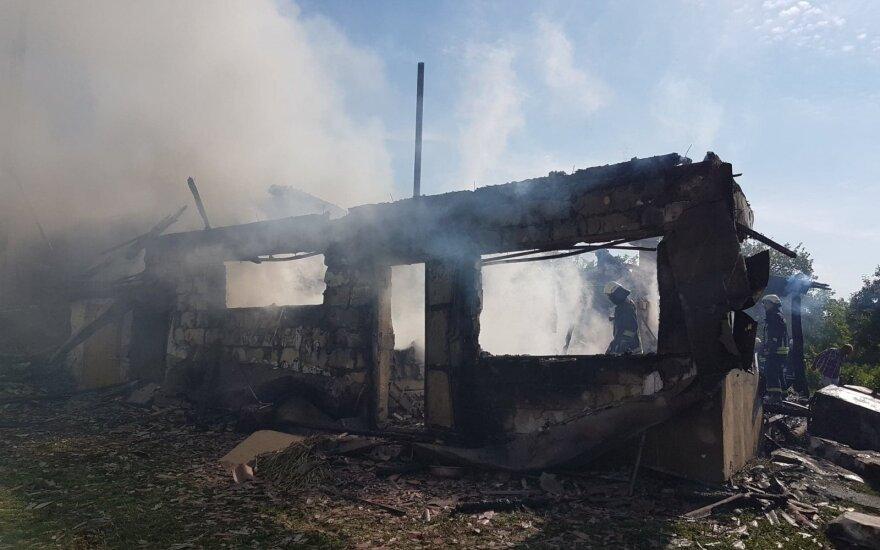 В Вильнюсском районе пожарные спасли от огня жилой дом