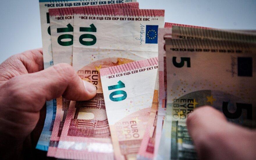 С января повышенные пенсии в Литве получили не все