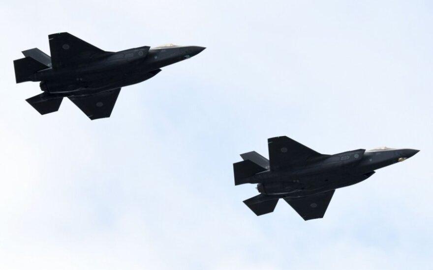 F-35 naikintuvai
