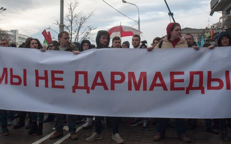Беларусь перед Днем Воли: остановится ли дубинка на замахе?