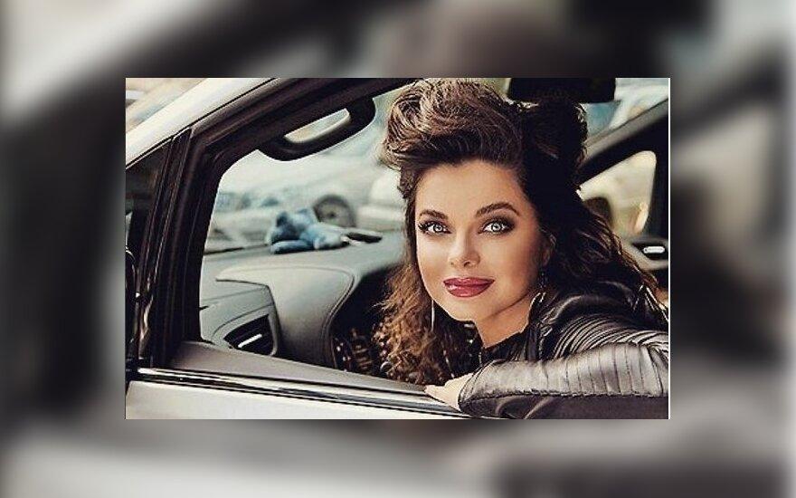 ФОТО: Наташу Королеву не узнали без макияжа