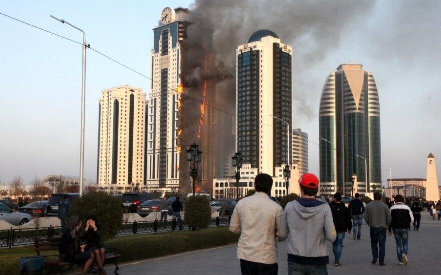 Прокуратура не исключает поджога высотки в Грозном
