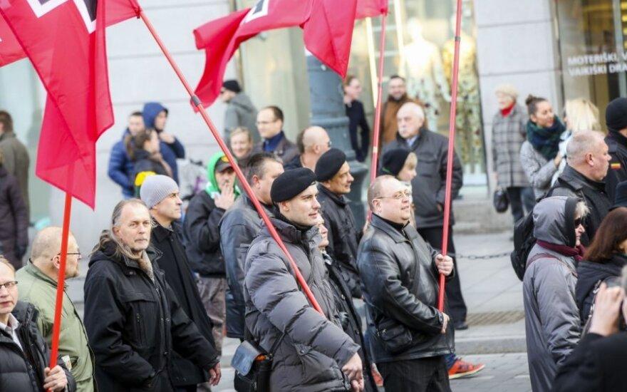 В этом году шествие националистов привлекло меньше людей