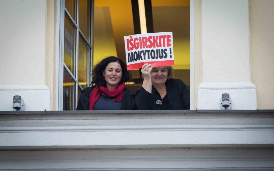 Возглавляемый Навицкасом профсоюз учителей прекращает забастовку