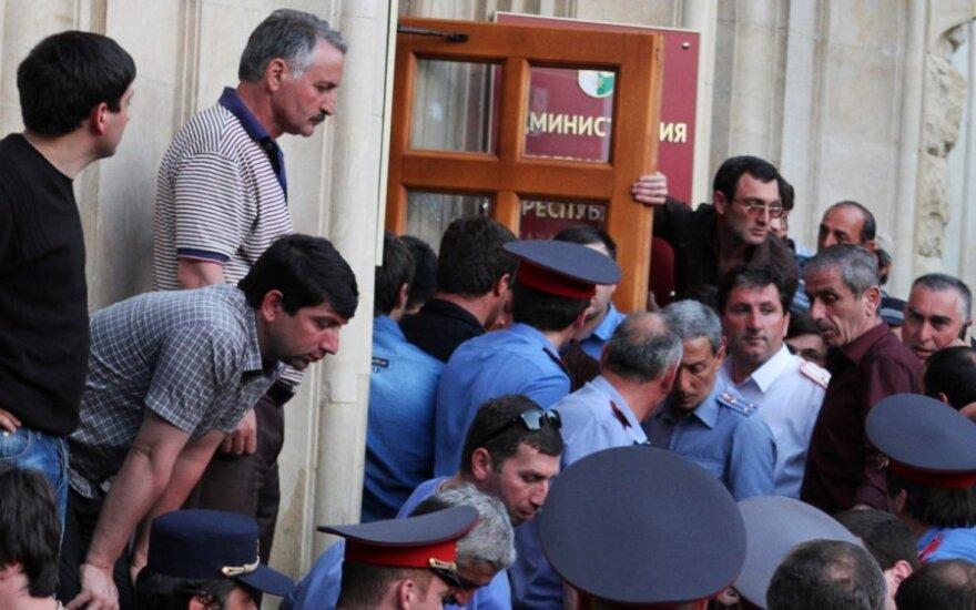 Сухуми глазами Тбилиси: Москва дает о себе знать