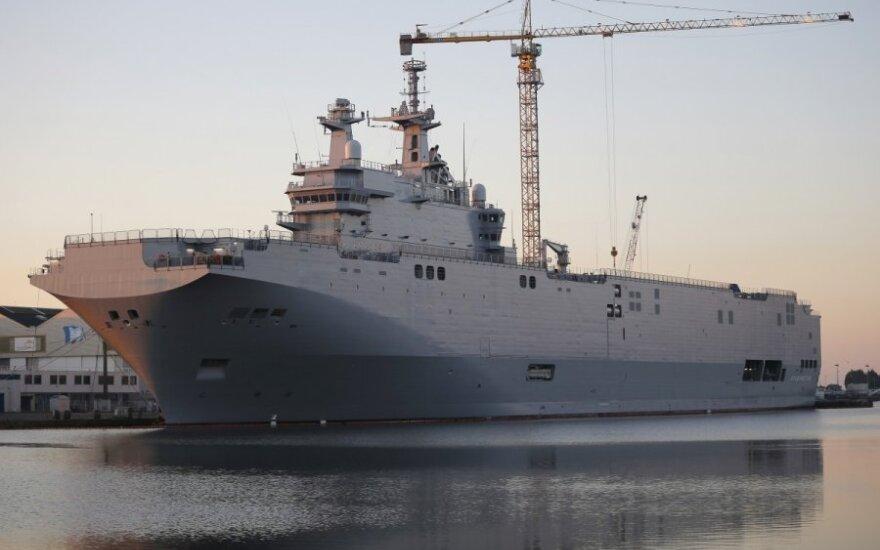 """Франция не готова принять решение по """"Мистралю"""" до ноября"""