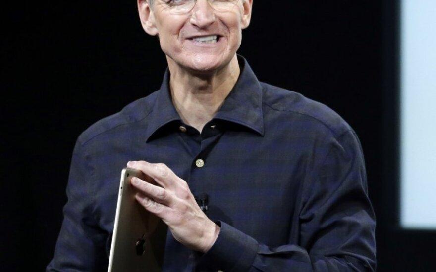 Глава Apple хотел пожертвовать часть печени для спасения Стива Джобса