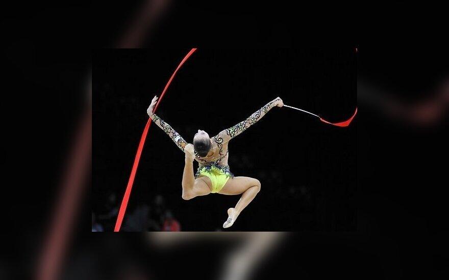 Украинская гимнастка продала медаль и поддержит силовиков