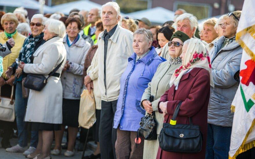 Литовские пенсионеры проведут шествие