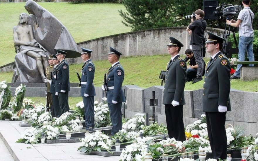 Medininkai massacre commemoration ceremony in Antakalnis Cemetery