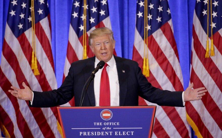 """Трамп раскритиковал """"катастрофическую ошибку"""" Меркель и назвал НАТО устаревшим"""