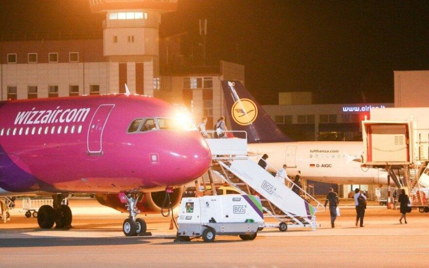 Буянившего пассажира авиарейса Вильнюс-Милан усмирили только карабинеры