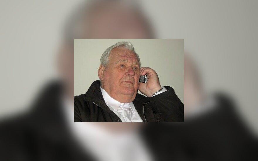 "Автор ""Корабля дураков"" не явился в суд из-за болезни"