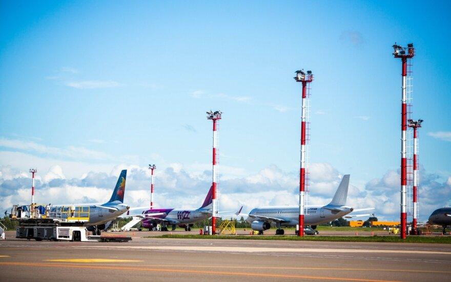 Реконструировать взлетно-посадочную полосу Вильнюсского аэропорта хотят четыре компании