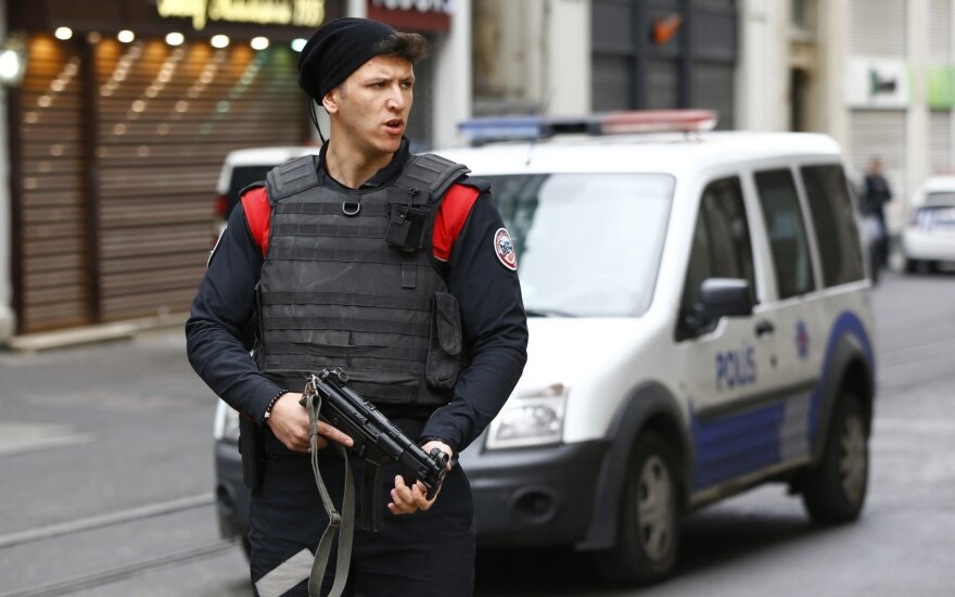 В центре Стамбула взорвался смертник: четверо погибших