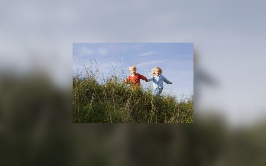 Родители-эмигранты рискуют лишиться детей