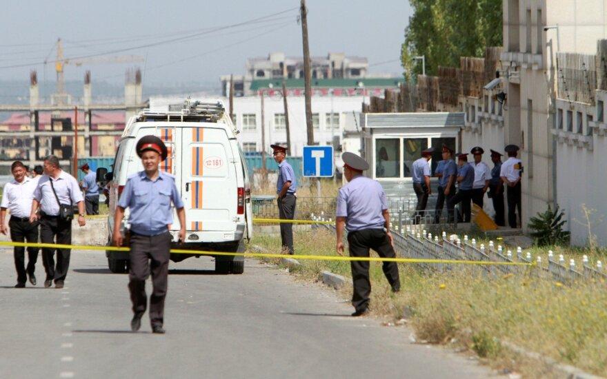 Ворота посольства Китая в Бишкеке протаранил смертник
